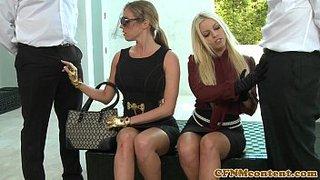 Incontro di coppia scambista con Samantha Saint e Britney Amber