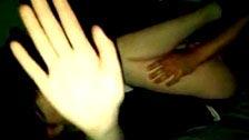 Un chico graba como su compañero de piso se folla a su novia