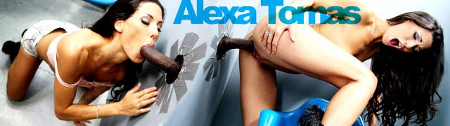 Alexa Tomas catando una polla negra en el gloryhole del sexshop