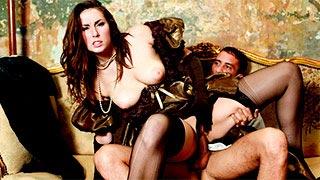 Sexo em um cenário clássico com a safada Paige Turnah