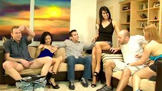Katja Kassin, Sidnee Taylor i Sophia Bella w orgii swingersów