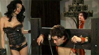 Alektra Blue interpreta Serleena, a dominadora do filme Homens de Preto