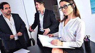 Gangbang mit Valentina Bianco, in einem Konferenzraum