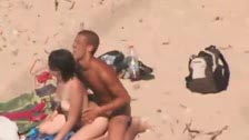 Peeping tom records a couple having sex in an isolated beach