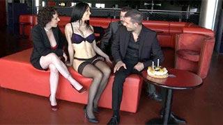 Lana Fever w potrójnej penetracji na urodziny