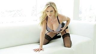 Cena erótica com a atriz pornô peituda Brianna Banks