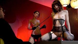 Ariel Rebel e Nikita Bellucci em um ménage cheio de fetiche