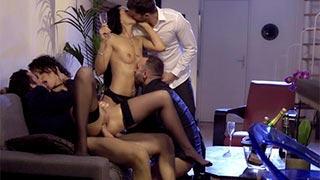 Elegante luxuriöse Orgie mit Nikita Bellucci und Alexa Tomas
