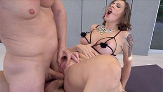 Dupla penetração anal na ninfomaníaca Malena La Pugliese